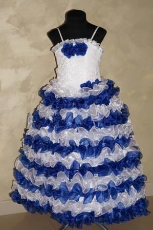 Платье в белые и синие рюши