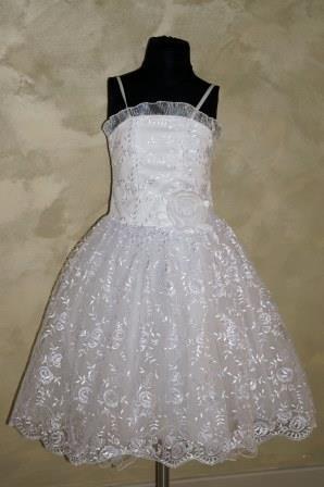 Платье белое гипюр на бретелях