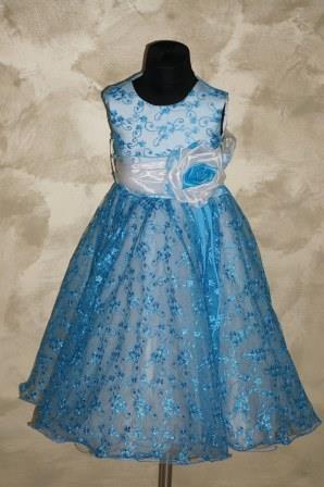 Платье голубое гипюровое с большим бантом сзади