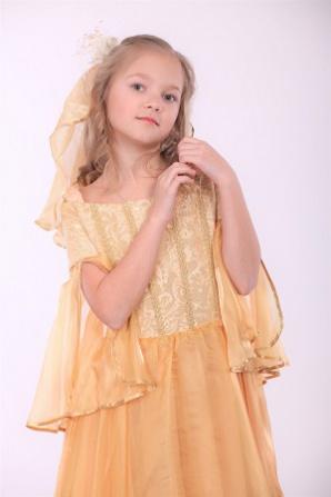Платье золотое с вуалью