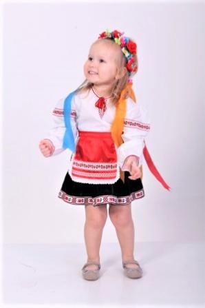 Украиночка (короткая юбка)